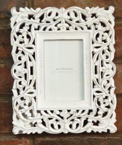 "Retreat White Handmade Frame 6""x 4"""