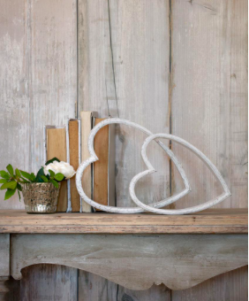Retreat Mantelpiece Sleeping Heart White Large