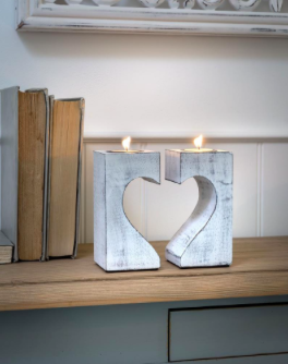 Retreat Broken Heart T-Light Holder White