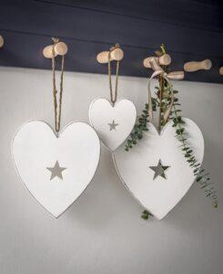 Retreat White Heart Hanger (Various Sizes)