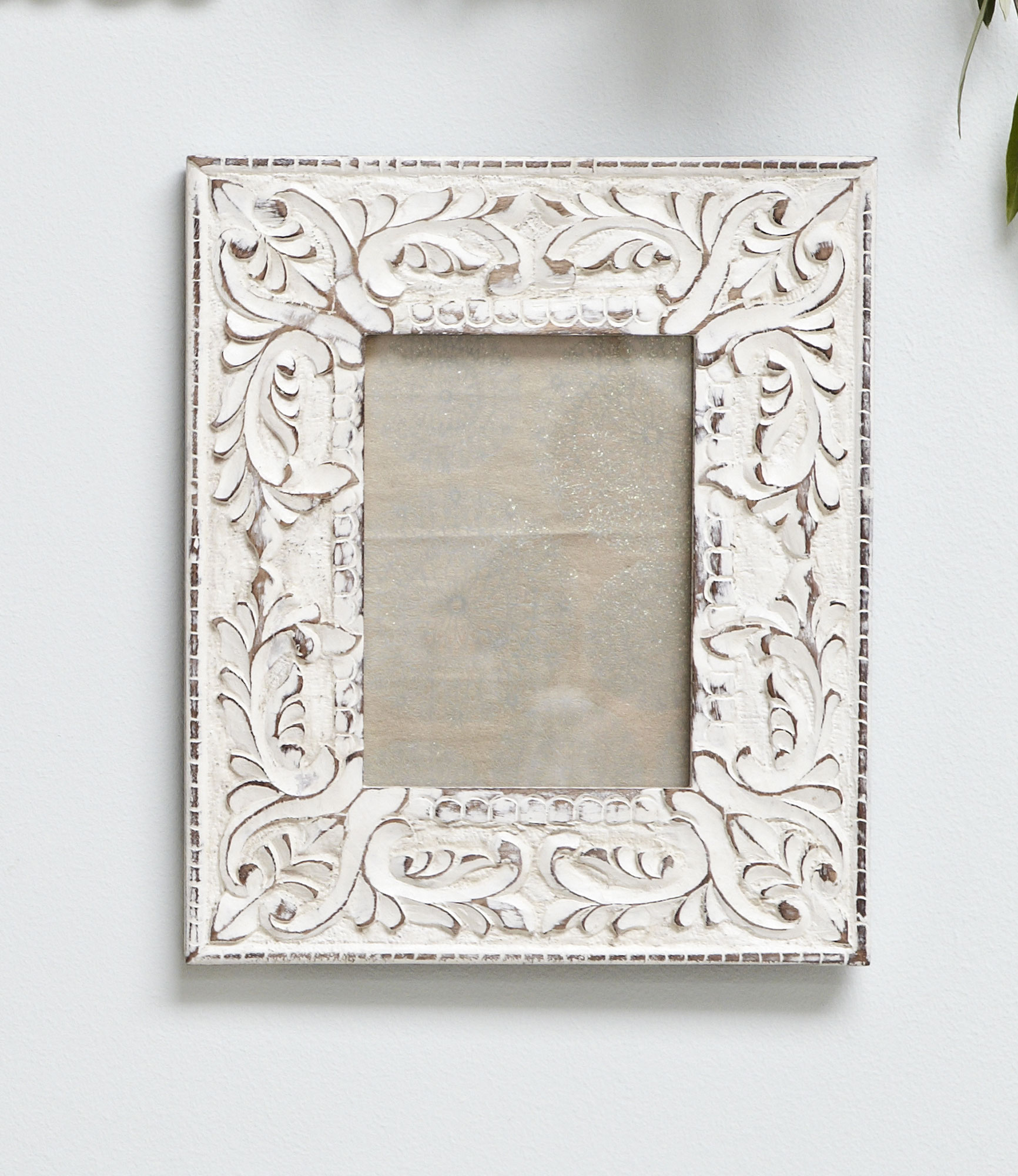 Retreat White Wood Distressed Frame