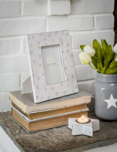 Retreat White Wooden Circles Frame