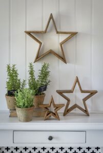 Retreat Natural Wood Mantle Stars