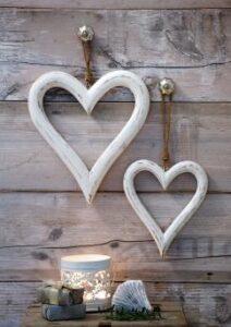 Retreat White Outline Hearts