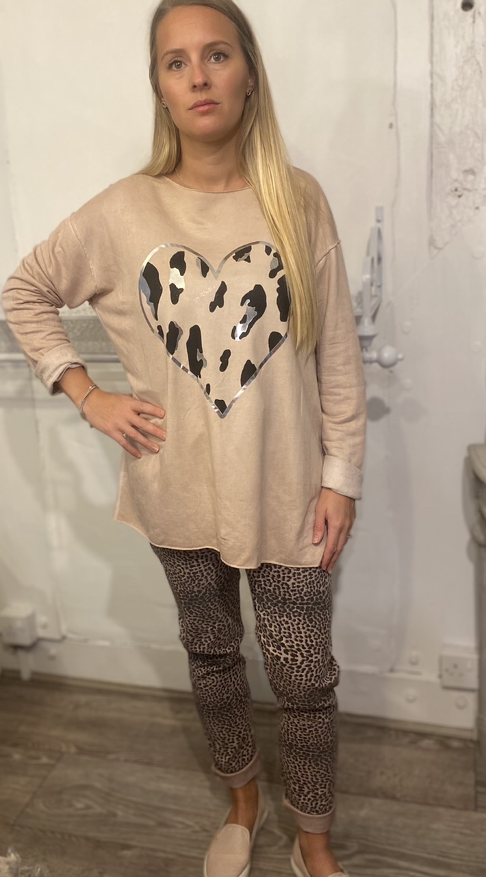 Bianca Neri Beige Raw Edge Heart Sweater Top