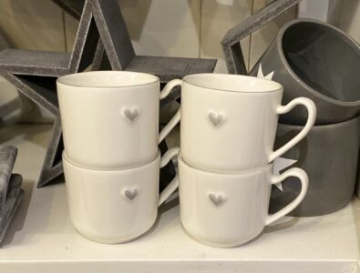 Coach House Set of 4 mugs with grey heart