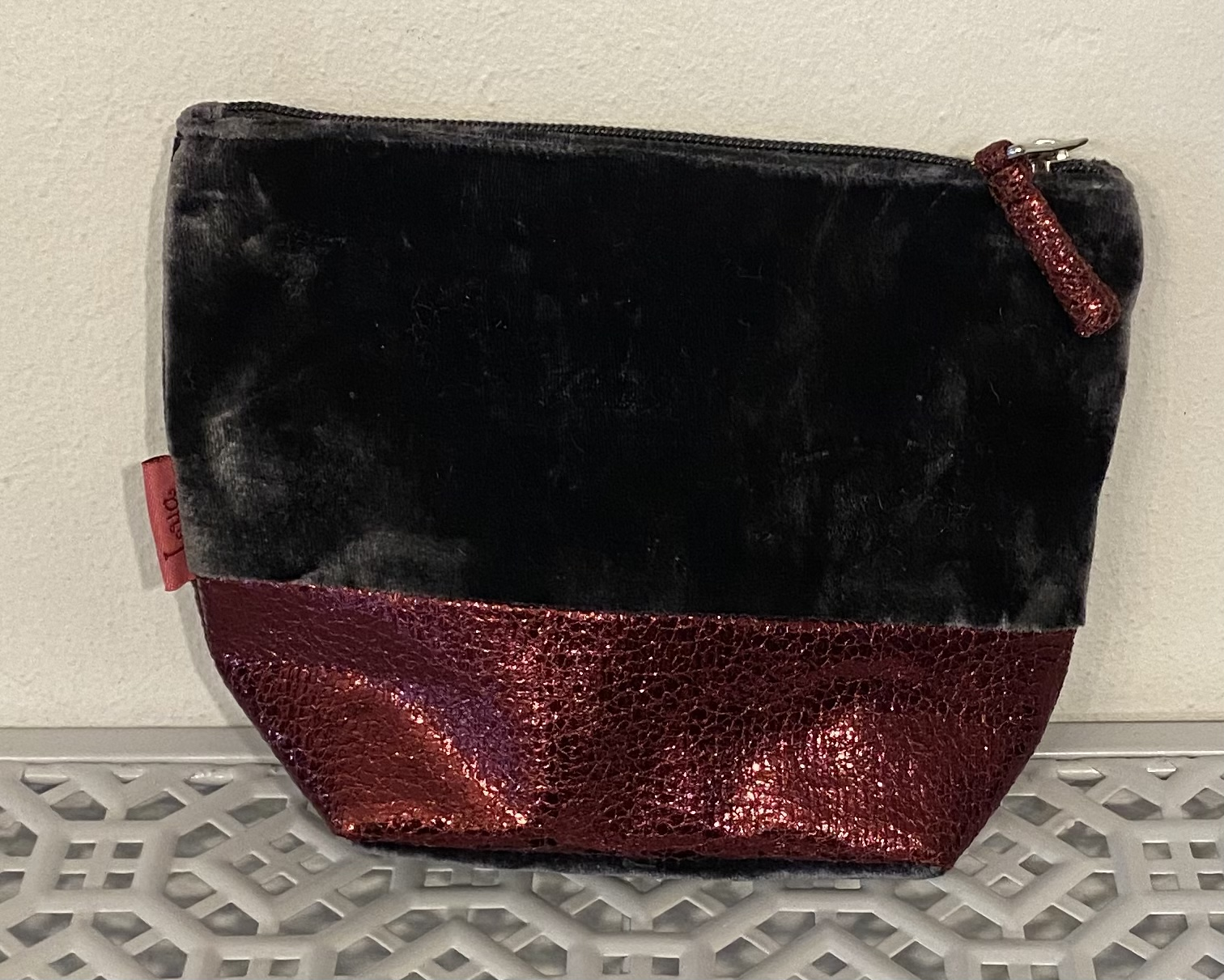 Lua Black Velvet Cosmetic Bag