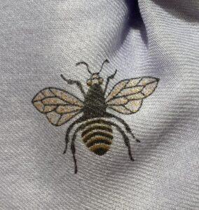 Reevo Lilac Lightweight Bee Print Scarf