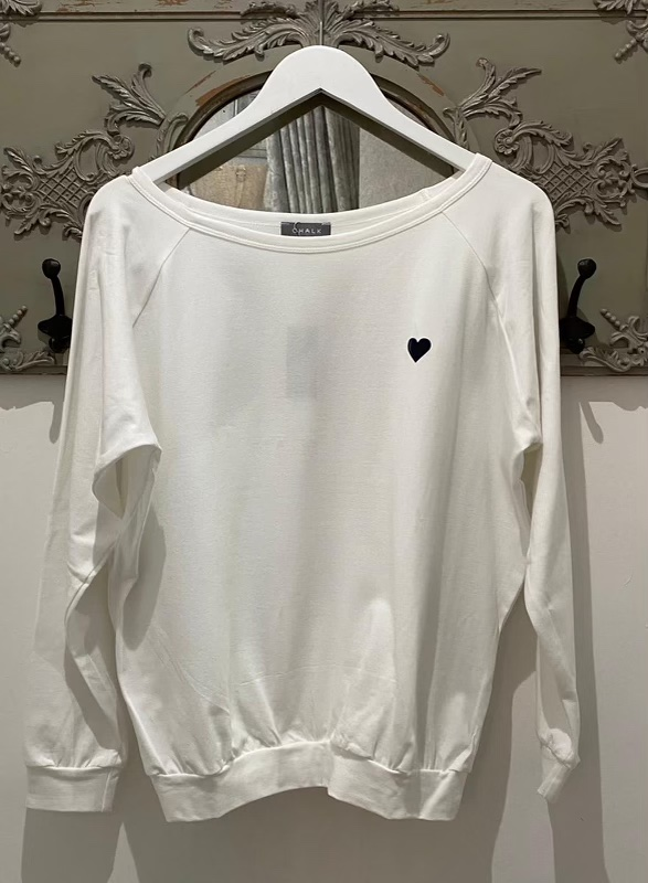 Chalk Holly Top White with Charcoal Heart